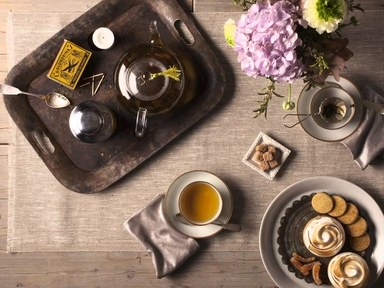 Bellocq-tea-party